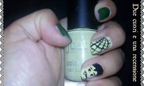 Dracula Vs Frankenstein halloween nails facile
